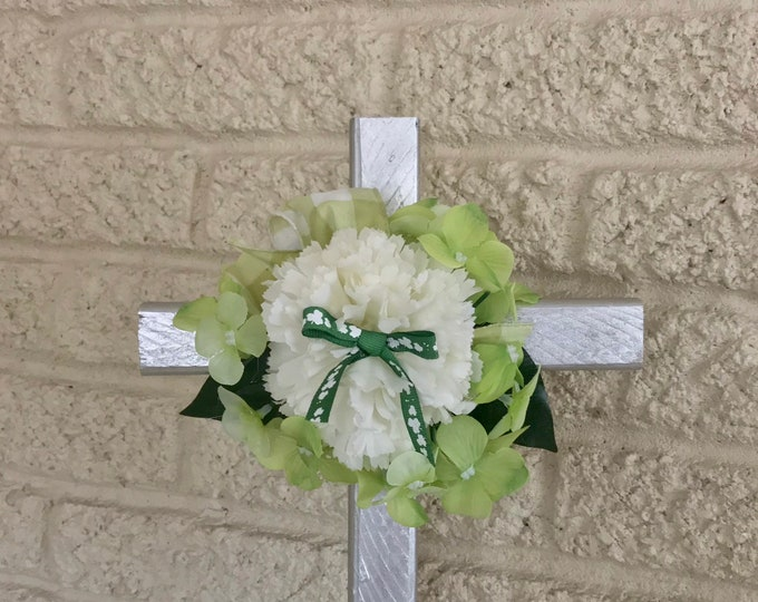St. Patricks Day Cemetery flowers, flowers for grave, grave decoration, memorial cross, Cross for grave, memorial flowers