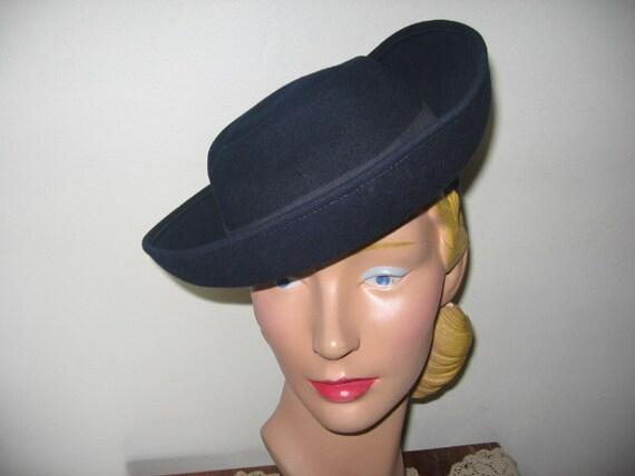 1940's Tilt Hat / Navy Blue / Breton / Berkshire