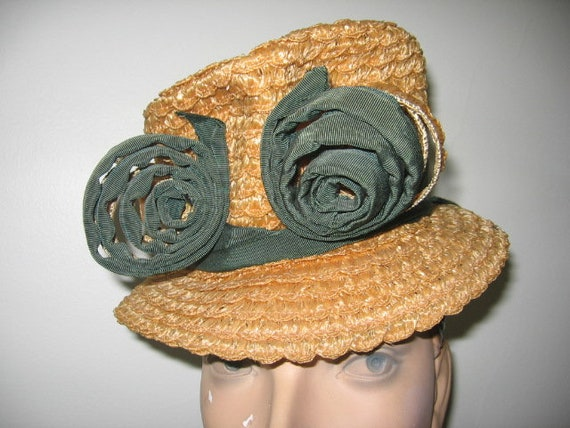 CLEARANCE / 1930's Straw Top Hat / Tippy Style / N