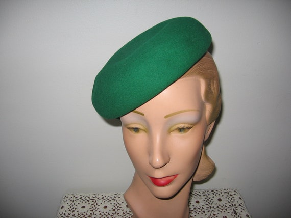1940's Beret / Kelly Green / Pillbox / Bumper / Be