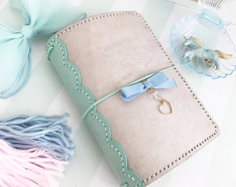 Scalloped Lace Spine Pelledori Collection, with Scallop Inner Pockets/Planner/Hobonichi/ Travelersnotebook