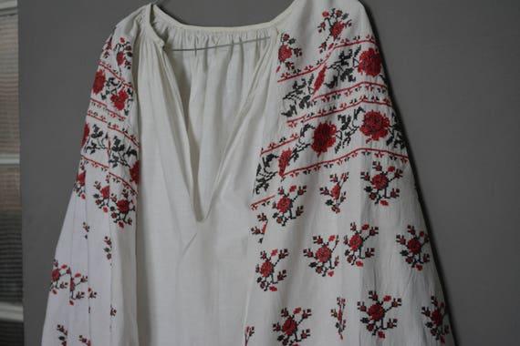 Vintage Ukrainian embroidered shirt - Womens shirt