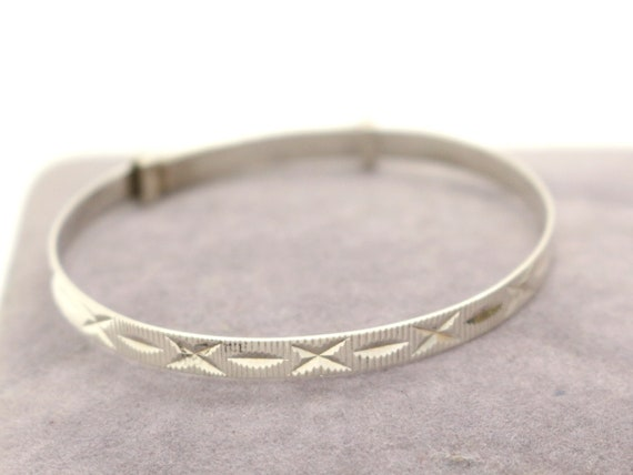 Solid Sterling Silver Baby CHRISTENING Baptism Bangle Stars Design Fine Vintage Jewelry  1970s baby Shower Gift for Baby