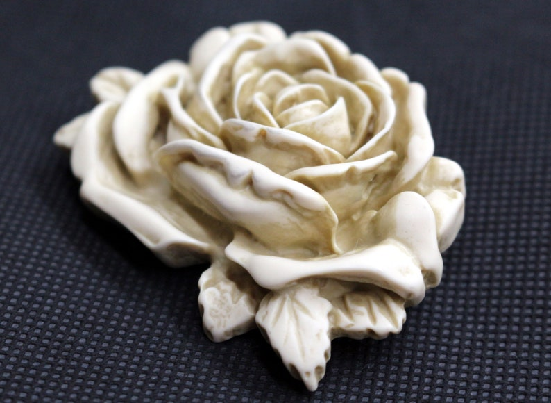 Vintage White Rose Molded Celluloid Plastic 3D Brooch Pin Scarf Clip Wedding Christmas Birthday Gift for Her Mother of Bride Mum Rockabilly
