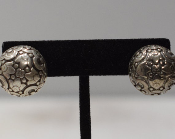 Earrings Silver Leaf Button Clip Earrings