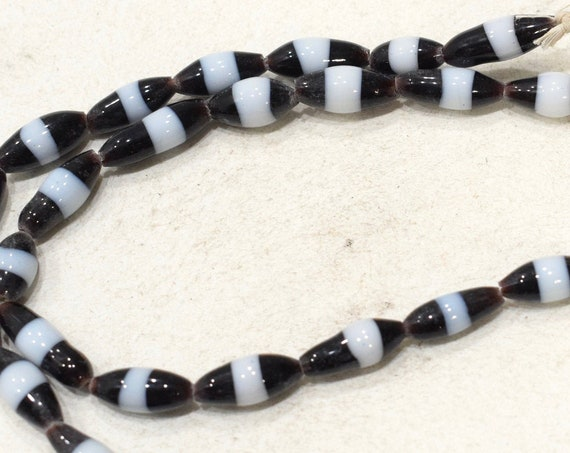 Bead Indonesian Black White Oval Glass 15-17mm