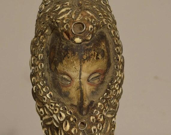 """Papua New Guinea 1950 Mask Mei Iatmul Tribe Vintage Cowrie Shell Clay Iatmul Mask 10  1/2"""""""