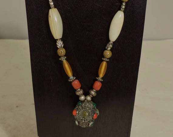 Necklace Indian Agate Pendant African Agate Silver Beads Handmade Red Green Agate Bead Red Buri Nut Brushed Silver Agate Necklace