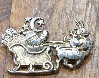Pin Silver Santa Christmas Sleigh Pin