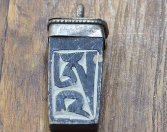 Pendants Tibetan Buddist Hand Carved Mani Stone Pendant