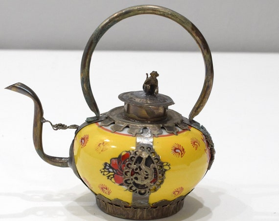 Chinese Yellow Porcelain Round Brass Dragon Teapot  6""