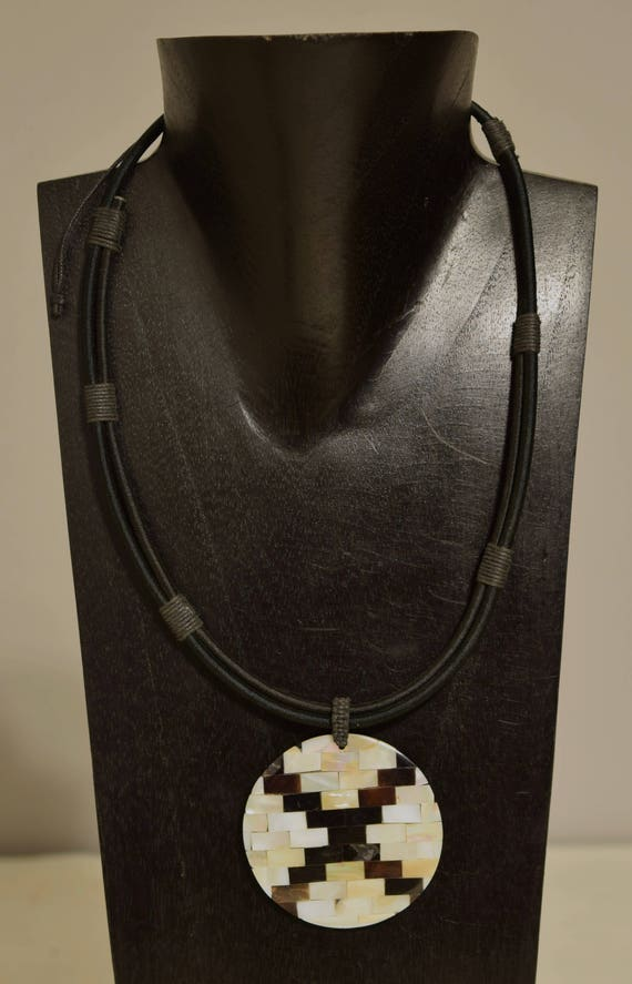 Necklace Indonesian Inlaid Shell Pendant Cord Handmade Shell Pendant Jewelry Necklace