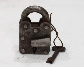 India Lock and Key Old Hand Fordged Metal Padlock Key
