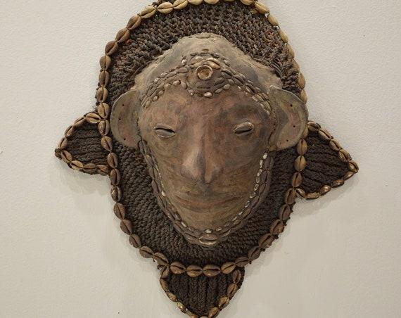 Papu New Guinea Mask Ancestor Spirit Hunting Fiber Clay Pig Skull Cowrie Shell Ritual Mask