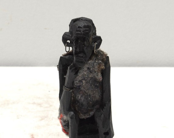 Statue African Kamba Carved Elder Statue
