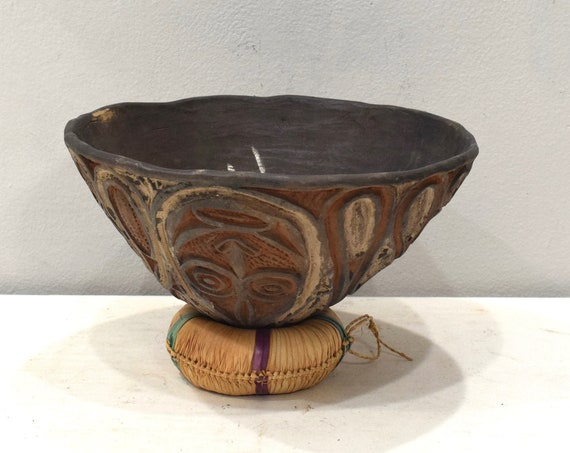 Papua New Guinea Ceramic Clay Pot Abelam Tribe Clan Designs