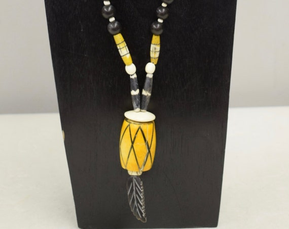 Necklace Vintage Philippines Black Buri Nut Yellow Bone Necklace Handmade Yellow Black White Beads Leaf Pendant Unique One of a Kind B