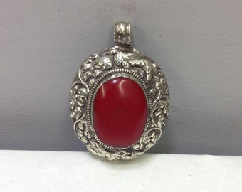 Pendant Silver Red Bakelite Oval Tibetan Silver Pendant