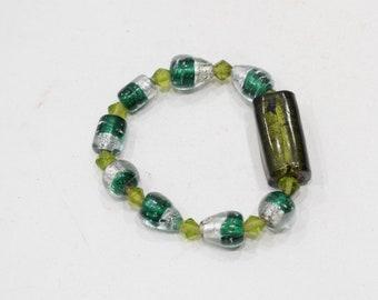 Bracelets Beaded Stretch Foil Green Glass