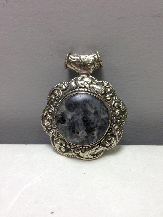 Pendant Silver Labradorite Round Silver Pendant Handmade Tibet Pendant Labadorite Necklace Jewelry Round Unique  Statement