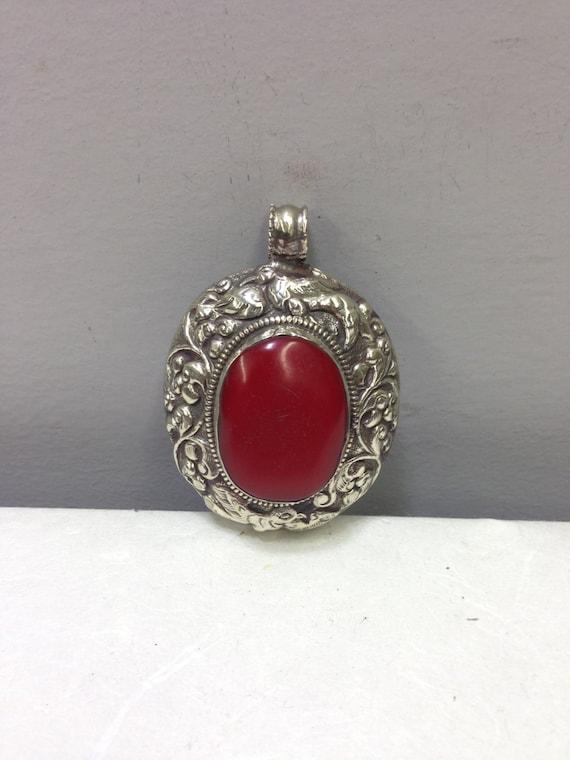 Pendant Silver Red Bakelite Oval Tibetan Silver Pendant Handmade Bakelite Pendant Necklace  Silver Red Tibet Unique  Statement