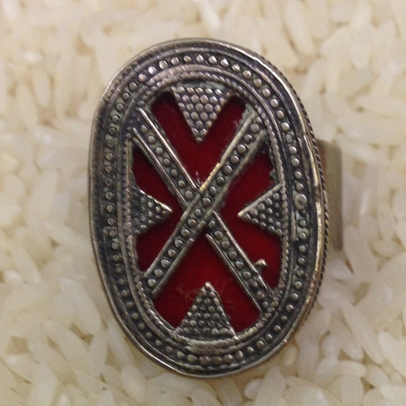Ring Middle Eastern Silver Kazah Red Carnelain Glass Ring