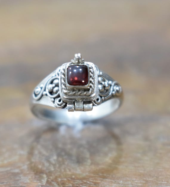 Ring Sterling Silver Garnet Poison Ring