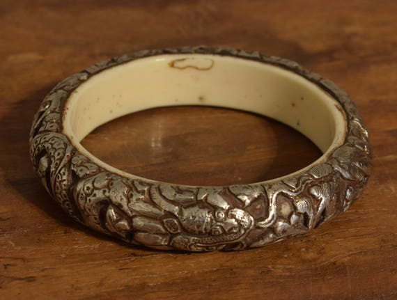 Tibetan Bracelet Silver Bangle Hand Crafted Silver  Dragon Round Bangle Bracelet