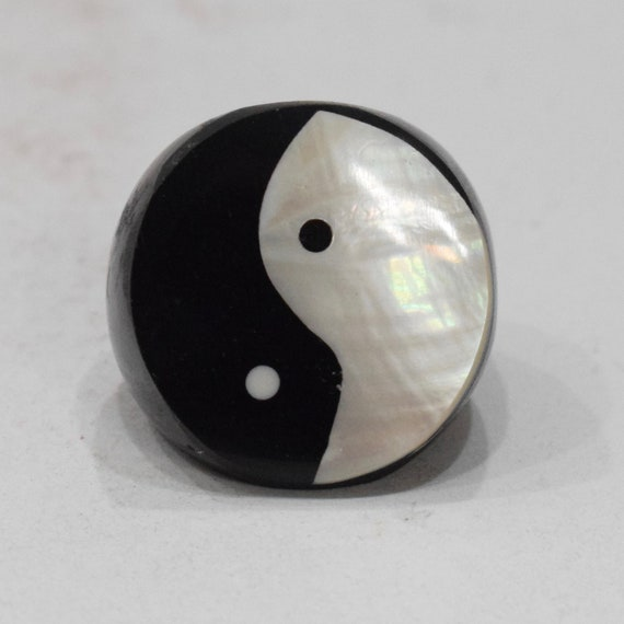 Ring Black Horn Ying Yang Mother of Pearl Ring Indonesia