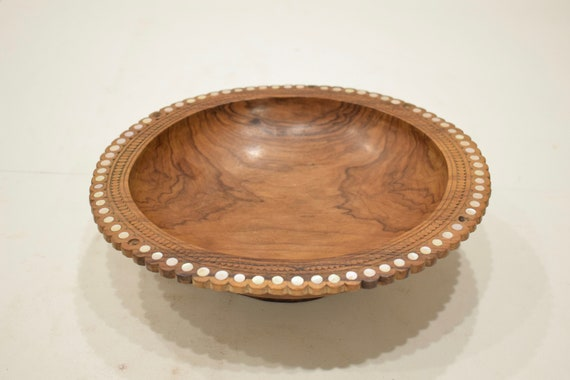 Papua New Guinea Bowl Trobriand Inlaid Mother of Pearl