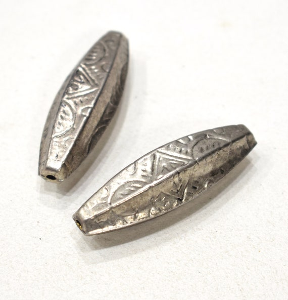 Beads Nepal Silver Etched Oval Beads 50mm