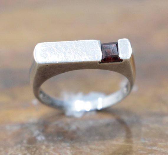 Ring Sterling Silver Small Square Red Garnet Band Ring