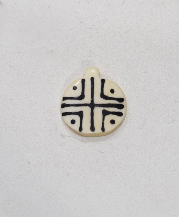 Beads Black White Bone Round Pendant 35mm