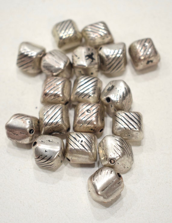 Beads Silver Triangle Beads 17mm