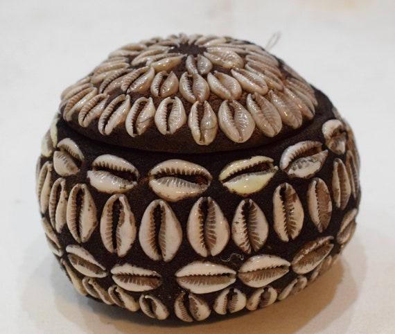 "African Cowrie Shell Gourd Box Ritual Kenya 3.5"""