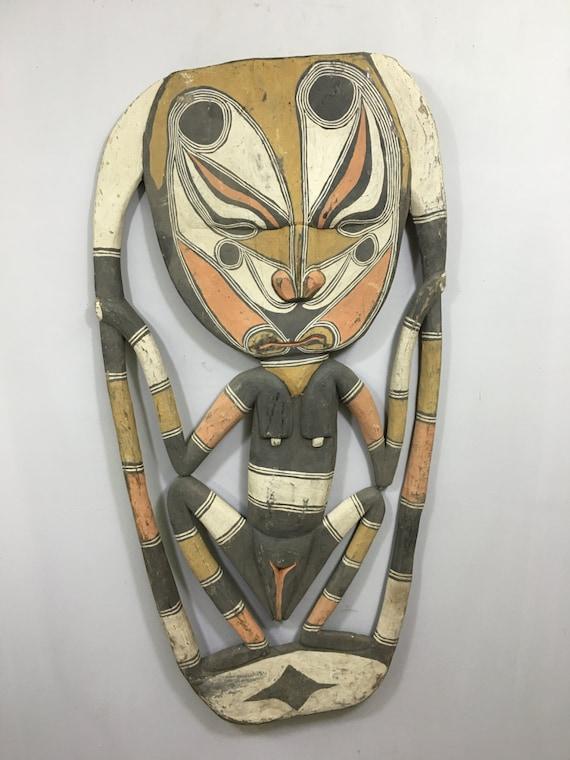 "Papua New Guinea Mask Samban Ancestor Female Iatmul Tribe Wood Guardian Mask  42"""