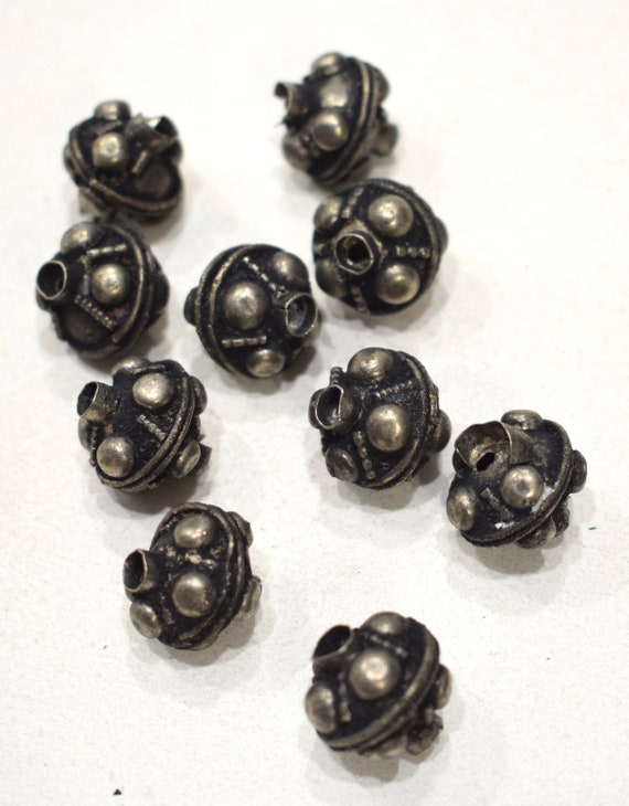 Beads Old Nepal Silver Textured Bubble Beads 16mm