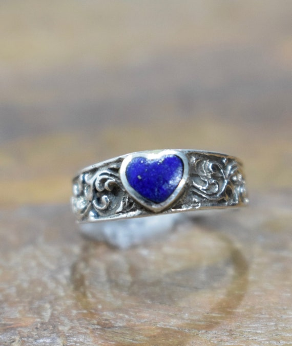 Ring Sterling Silver Etched Band Blue Lapis Heart Ring
