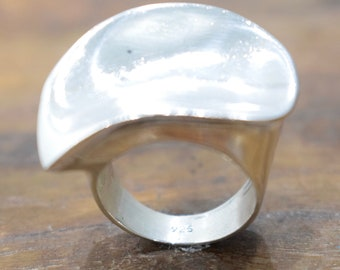 Ring Sterling Silver Curved Leaf Ring
