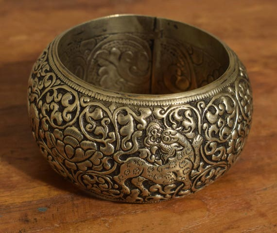 Tibetan Bracelet Silver Bangle Hand Crafted Silver Animals Floral Round Bangle Bracelet