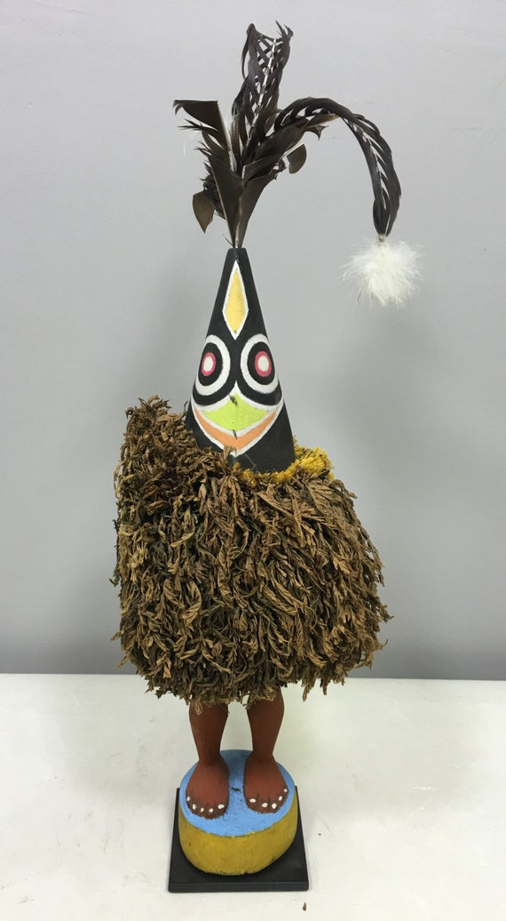 Papua New Guinea Duk Duk Statue Tolai Male Female Feathers Dance Ceremony Statue