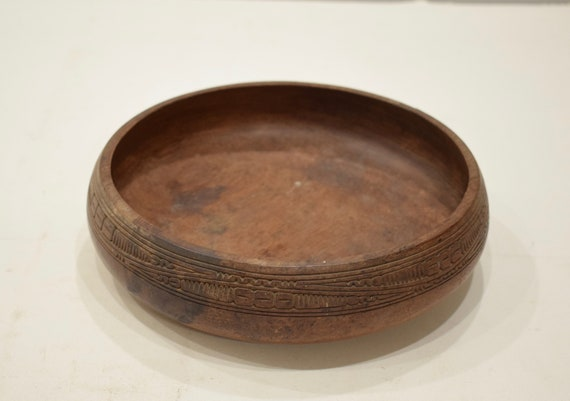 Papua New Guinea Bowl Trobriand Carved Clan Symbols Wood Serving Bowl