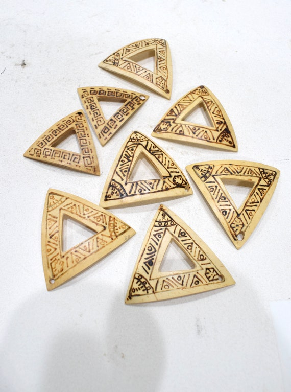 Beads Philippine Etched Coconut Triangles 34-44mm