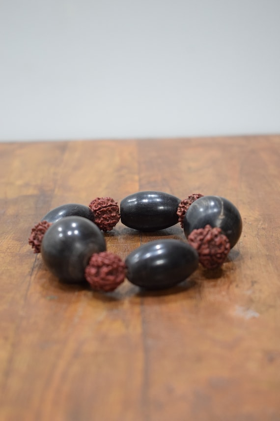 Bracelet Black Horn Rushska Nut Bead Stretch Bracelet