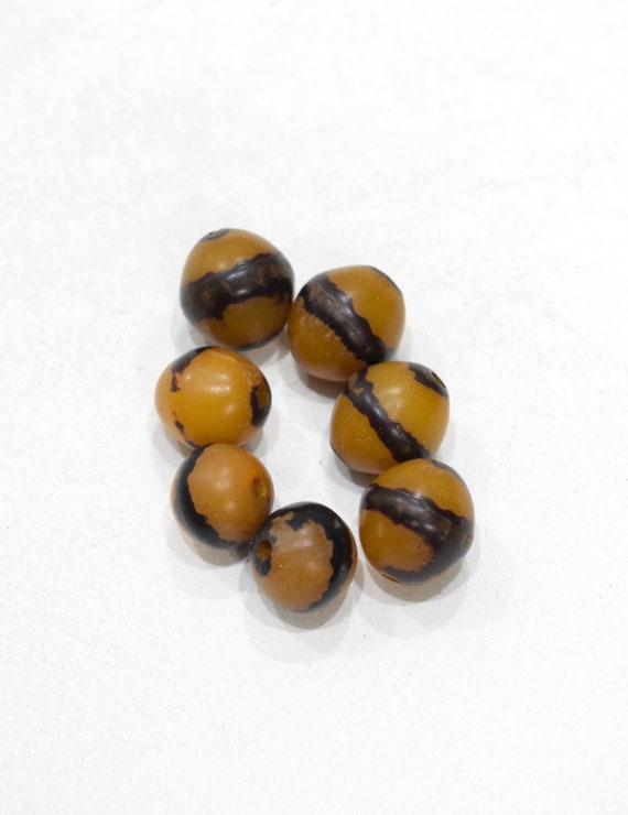 Beads Philippines Yellow/Black Round Buri Nut  16-19mm