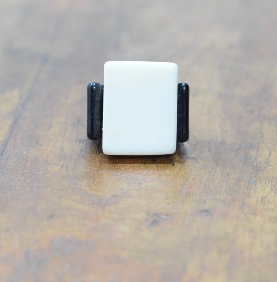 Ring Black White Lucite Abstract Vintage Ring
