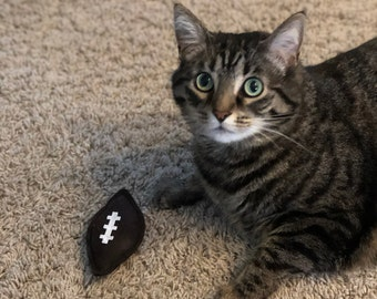 Football Cat Toy - Sport Organic Catnip Toy - Cat Dad Gift - Sports Fan Cat Lover Gift - Cat Nip Cat Toys