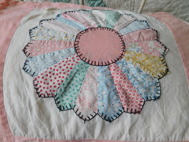 Shabby Cottage Pink Dresdan Plate Summer Quilt Quilt Top**Feed Sacks