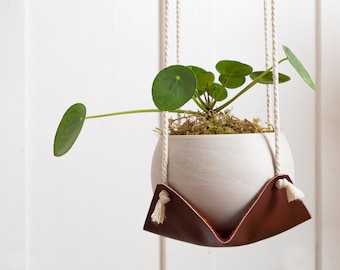 Dual leather air plant hammock hanging macrame plant hanger jungalow plant holder indoor plant swing hanging hygge planter minimalist home