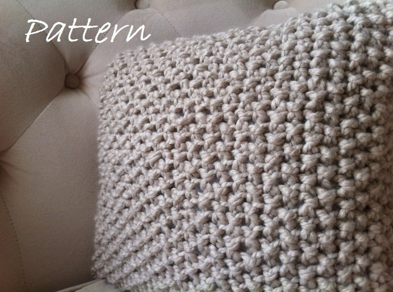 Decorative Knit Pillow Pattern / DIY Chunky Throw Pillow Cover image 0